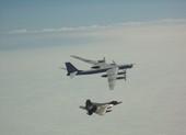 Mỹ 2 lần điều F-22 chặn máy bay ném bom Nga bay gần Alaska