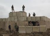 Mỹ không kích Taliban, kêu gọi ngừng 'tấn công vô ích'