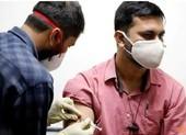 Dịch nguy ngập, Ấn Độ cấm xuất vaccine, Mỹ định chia đôi liều
