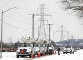 Texas: Hàng triệu gia đình vẫn oằn mình chịu lạnh vì mất điện
