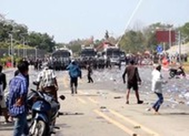 Cảnh sát Myanmar bắn đạn thật, ít nhất 7 người thương vong