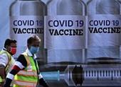 Đau đầu nâng cấp vaccine chống biến thể SARS-CoV-2 nguy hiểm