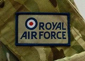 Một phi công hoàng gia Anh bị tấn công tình dục