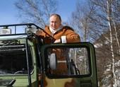 Nga đưa video ông Putin chạy xe địa hình, sau vụ ông Biden ngã