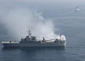 Tàu Mỹ bắn cảnh cáo khi bị 3 tàu Iran áp sát ở vùng Vịnh