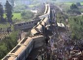 Tàu trật đường ray ở Ai Cập, hàng trăm người thương vong
