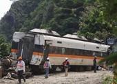 Một phút trước vụ tai nạn tàu hỏa kinh hoàng ở Đài Loan
