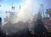 Tàu cá cháy đùng đùng, thiệt hại 1 tỉ đồng