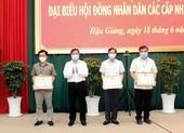 Hậu Giang trao thưởng các cá nhân, tập thể làm tốt công tác bầu cử