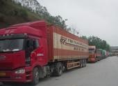 Cửa khẩu biên giới lại ùn ứ vì Trung Quốc siết chặt