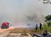 Thừa Thiên - Huế: Cháy kinh hoàng, hàng trăm cán bộ chiến sĩ đang dập lửa
