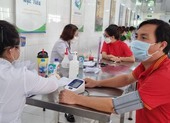Đề xuất mô hình chống dịch mới, sử dụng các điểm bầu cử tiêm vaccine