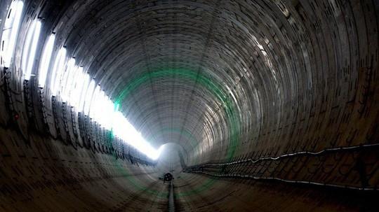Cận cảnh bên trong đường hầm tuyến Metro đầu tiên của TPHCM - Ảnh 10.