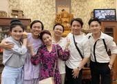 Trấn Thành chúc mừng NSƯT, danh hài Hoài Linh tròn tuổi 50