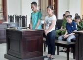 Vợ chồng bán trẻ em sang Trung Quốc thi nhau khóc tại tòa