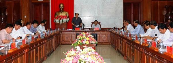 Đoàn công tác trung ương triển khai quyết định tại Tỉnh ủy Hậu Giang