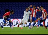 Messi dắt đồng đội 'lết' vào tứ kết