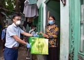 TP.HCM: Hơn 7.000 'giỏ quà nghĩa tình' đã đến tay người được nhận