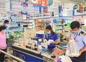 Nhiều siêu thị ở quận 7 mở cửa bán trực tiếp cho khách hàng