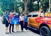 NSND Tự Long, Xuân Bắc ủng hộ người dân Bắc Ninh 30 tấn gạo