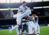 Messi hồi hộp săn bàn thắng thứ 74 cho tuyển Argentina