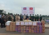 Biên phòng An Giang hỗ trợ Campuchia chống COVID-19 và lũ lụt