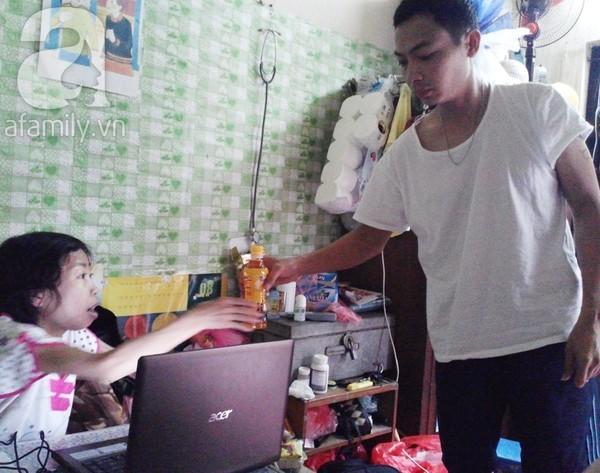 Cảm động rơi nước mắt với chuyện tình của cô gái suy thận và chàng trai kém 3 tuổi 5