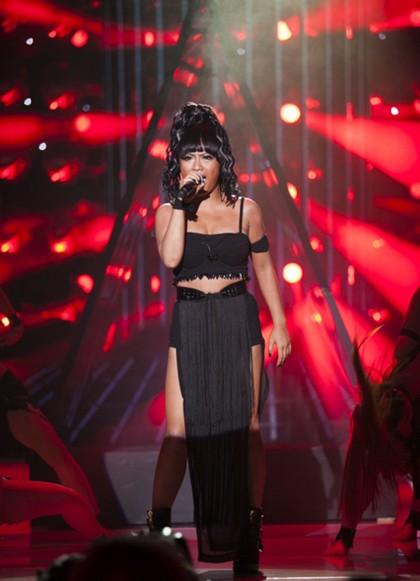 Tuy vậy, giọng của Mi-A vẫn chưa thể hiện được đúng chất Rihanna.