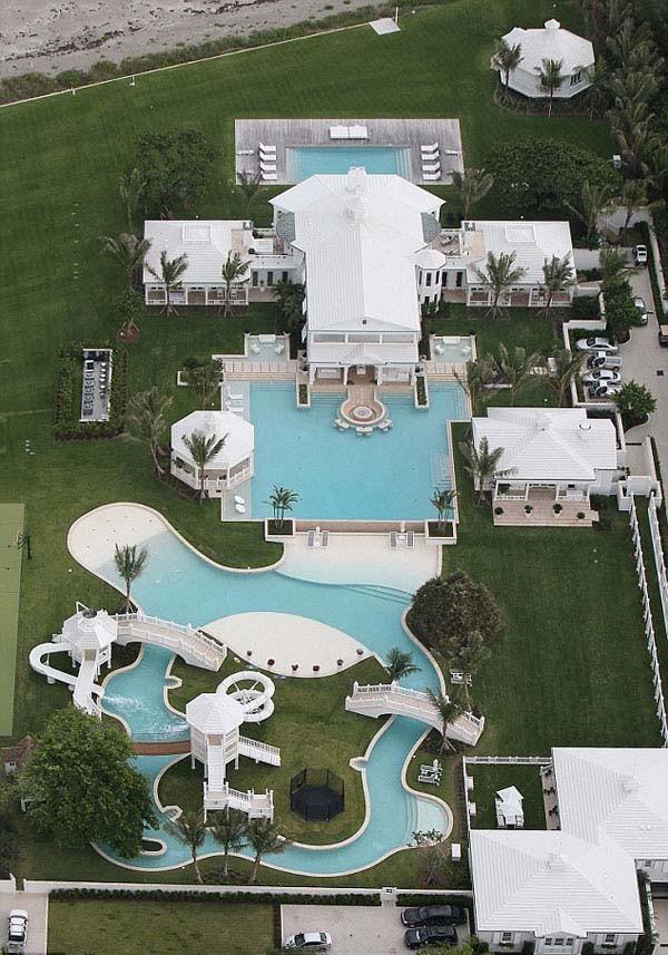 12.) Celine Dion's aquatic park mansion