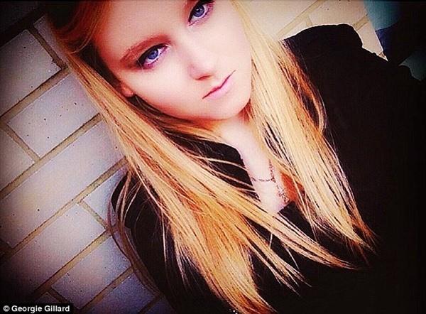 Cô bé xinh đẹp nổi tiếng trên mạng xã hội tại Nga.