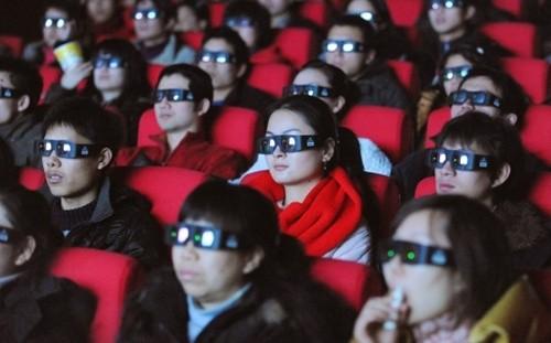 Wang mua toàn bộ vé của 4 phòng chiếu phim 'Transformers: Age of Extinction' để chứng tỏ với bạn gái cũ. Ảnh minh họa: AFP