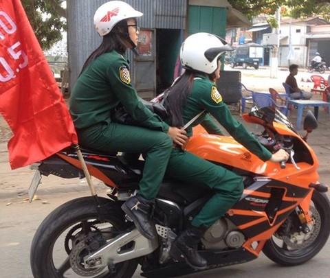 Cô gái 9X, 'con nhà nòi', xe khủng, Sài Gòn