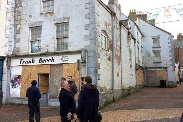 Mặt tiền cửa hàng Frank Beech đóng cửa từ năm 2009.