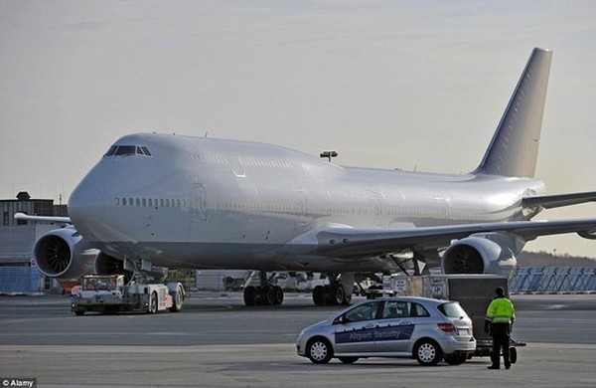 Một chiếc Boeing 747-8 khi chưa được độ lại. Ảnh: Alamy