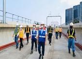 Kiểm tra tiến độ tuyến metro số 1