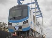 Toàn cảnh quá trình bốc dỡ 3 toa tàu metro số 1