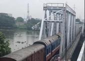 Chính thức tháo dỡ cầu sắt hơn 100 tuổi ở TP.HCM
