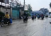Đường tỉnh lộ 9 lầy lội sau cơn mưa
