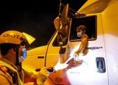 Khi nào tài xế xe chở hàng cần trình giấy xét nghiệm COVID-19?