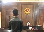 Tòa tuyên 9 tháng nhưng bản án ghi thành 9 năm tù