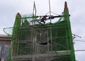 Quận Tân Bình: 'Gió thổi đổ gạch' ở công trình đang xây dựng