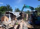 Tiếp tục tháo dỡ 11 công trình sai phép ở Bình Chánh