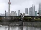 Video: Bão In-Fa đổ bộ, Thượng Hải sơ tán 330.000 dân