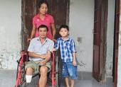 Chồng bị cưa chân,  vợ bán vé số bị tai nạn