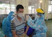 TPHCM phấn đấu cuối tháng 8 tiêm vaccine mũi 1 cho 70% người trên 18 tuổi