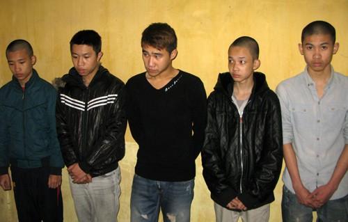 Nhóm cướp 9x tại cơ quan điều tra. Ảnh: Phương Sơn