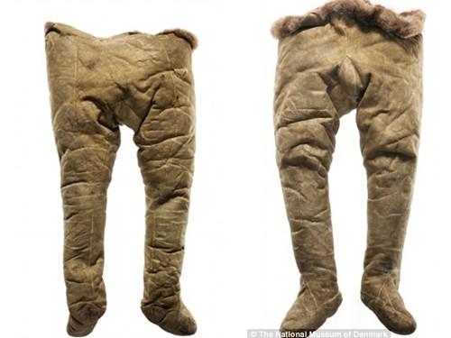 Phụ nữ mặc quần lọt khe từ 130 năm trước
