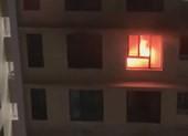 Cháy căn hộ chung cư quận 7, dân hoảng loạn tháo chạy