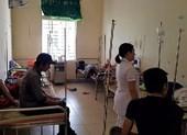 Nhiều người nhập viện nghi ngộ độc sau ăn tiệc cưới