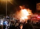 Cháy dữ dội tiệm phụ tùng xe máy khóa trái cửa ở Bình Chánh